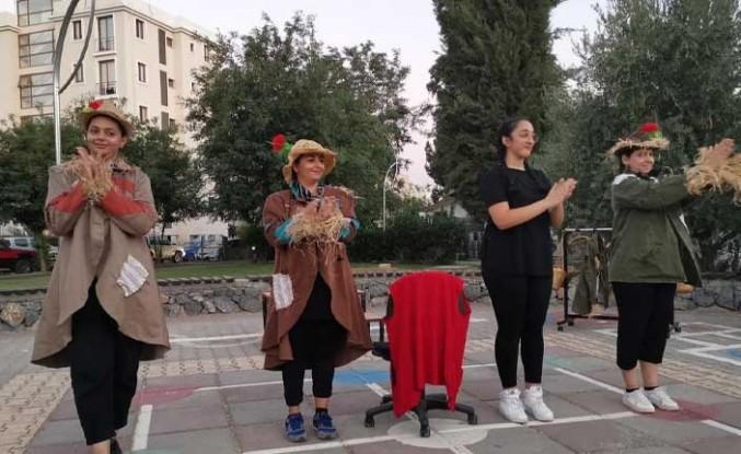 Baraka Tiyatro Ekibi'nden Açık Hava Gösterileri