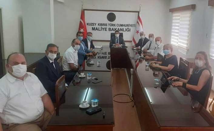 Maliye Bakanı Oğuz, Kuzey Kıbrıs Bağımsız Hesap Uzmanları Birliği'ni Kabul Eti